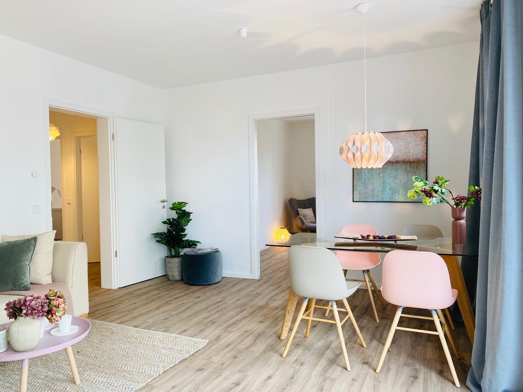 Musterbild möbliertes Wohnzimmer